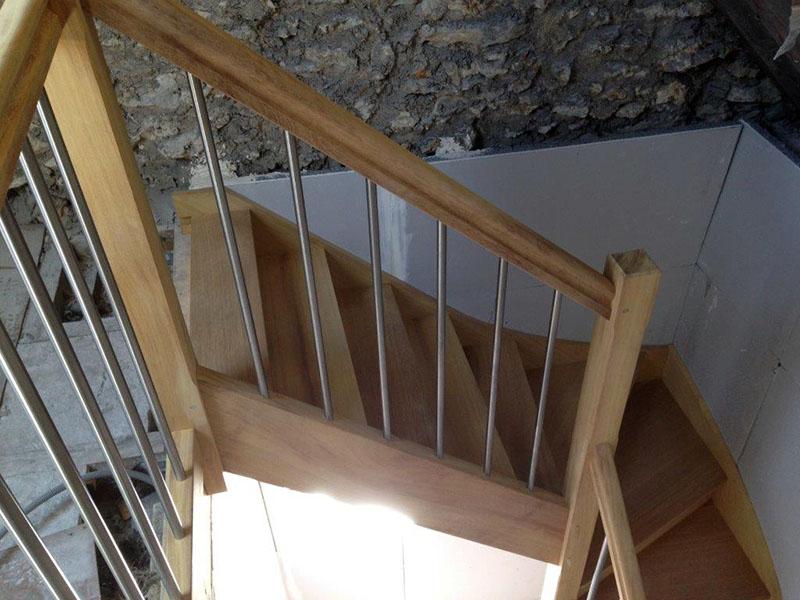 construction artisanale descaliers en bois